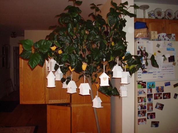 2009-03-25-easter-bird-houses-003
